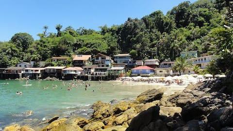 Beach house foot in the sand,  Sorocotuba, Guarujá
