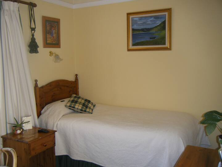 Buttermilk Lodge Standard Twin Room