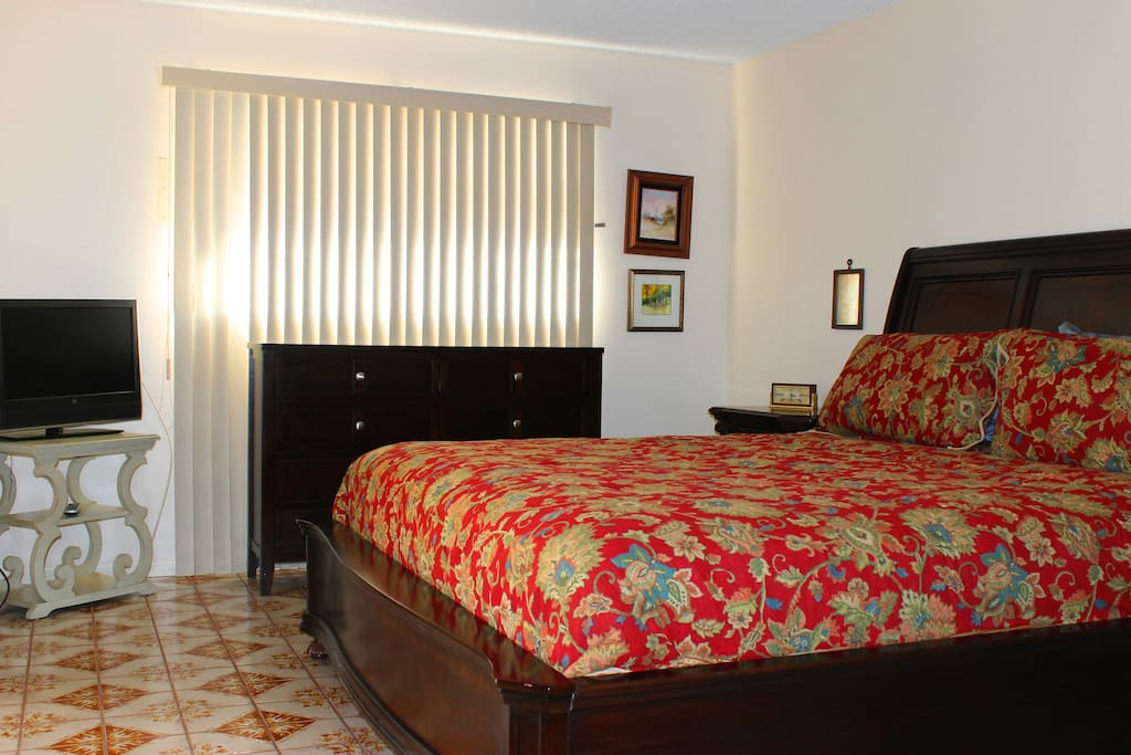 5 bedroom 2 bathroom vintage house houses for rent in las vegas nevada united states for 2 bedroom homes for rent in las vegas