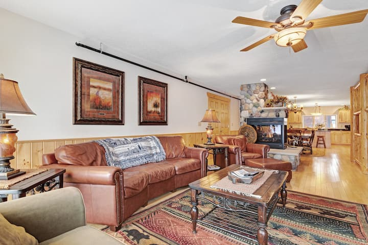 Two duplex townhomes w/ fireplaces, outdoor spaces, & shared boat launch/marina!
