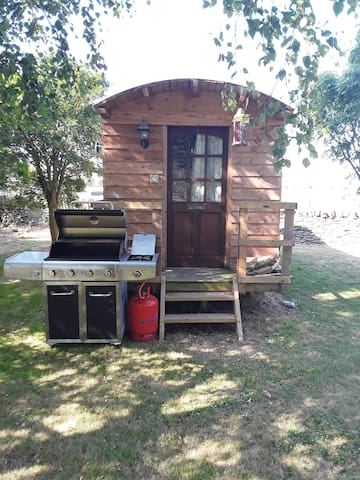 Manor Farm shepherds hut North Yorkshire YO17 8SL