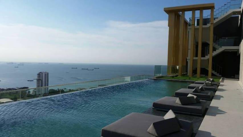 Knightsbridge The Ocean (20 mins to Pattaya)