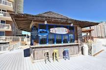 Tiki-bar on the deck
