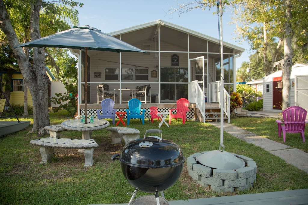 Enjoy grilling, fire pit  in the privacy of your own backyard over looking the water