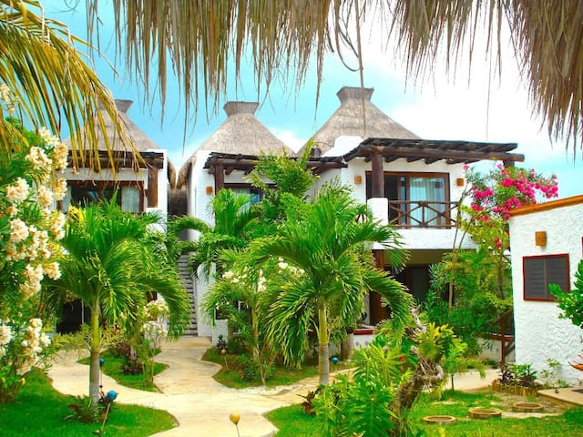 VILLA-OCEAN FRONT WITH 6 BEDROOMS - Holbox - Dom