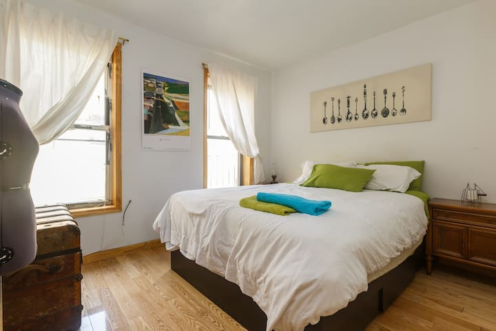 True Two Bedroom Apartment in Lower Manhattan