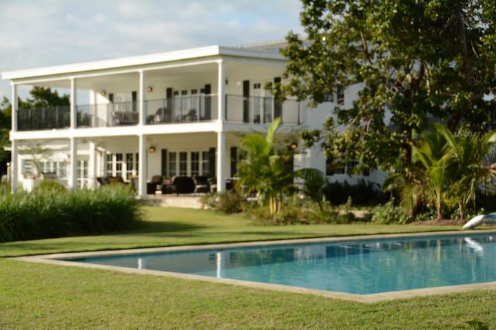 Tropical Farm with New Luxury Home - Homestead - Casa