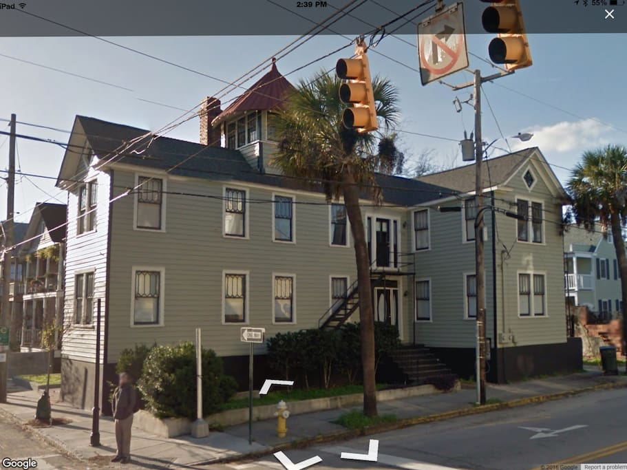 Centrally Located Downtown Charleston Duplex Apartments For Rent In Charleston South Carolina