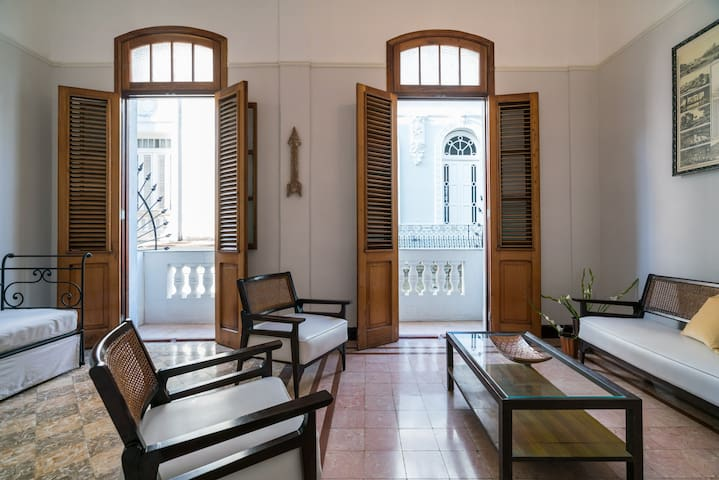 2 bdr apartment in Old Havana (WiFi)