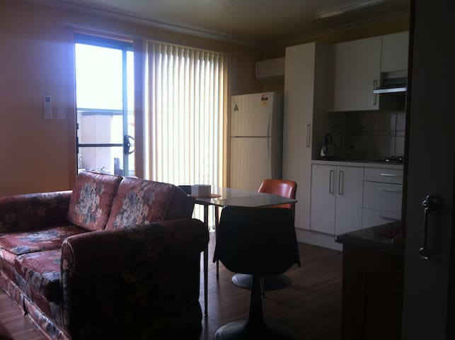 Cosy Flat near Airport,City,Beach - Richmond - Apartamento