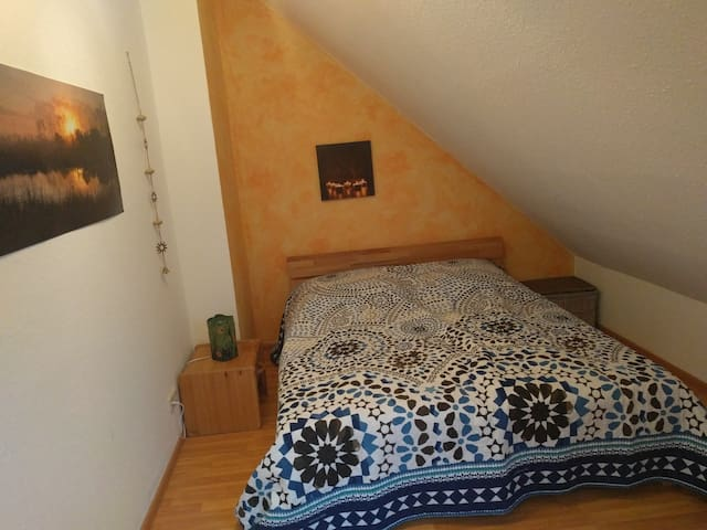 cozy private room next to Munich + 5-lakes-area