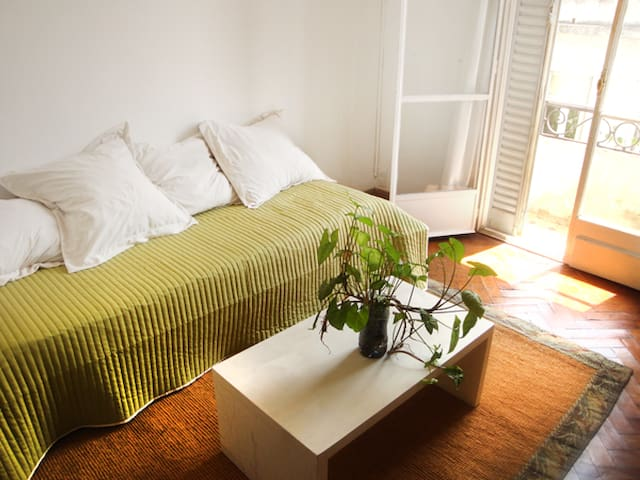 Very sunny apartment in SanTelmo (2 1/2 rooms) - Buenos Aires - Leilighet