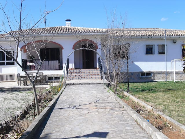 I rent rooms country house - Enguera - Chatka w górach
