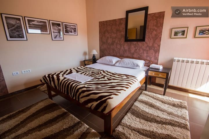 Double-bed apartment with balcony - Podgorica - Apartamento