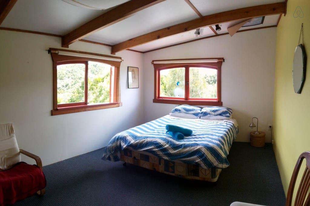 The room (queen bed)
