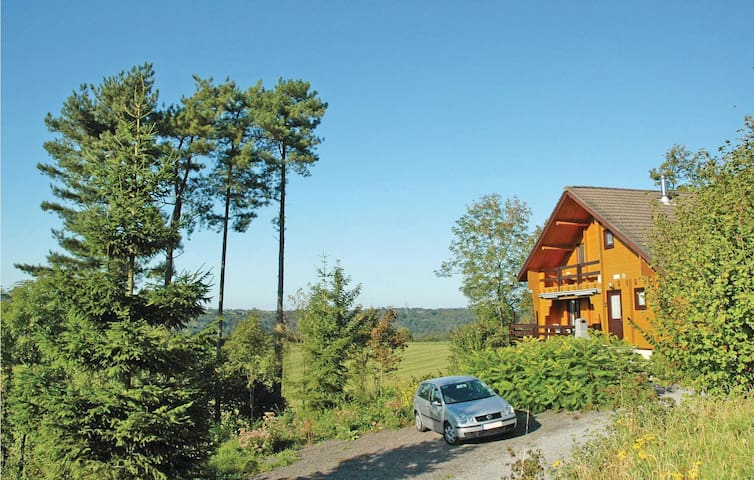 Holiday cottage with 3 bedrooms on 180 m² BLX060