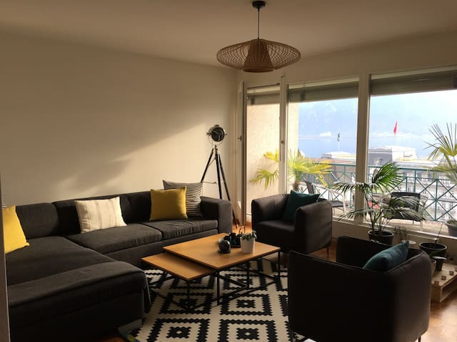 Cozy bedroom in Montreux next to train station - モントルー - アパート