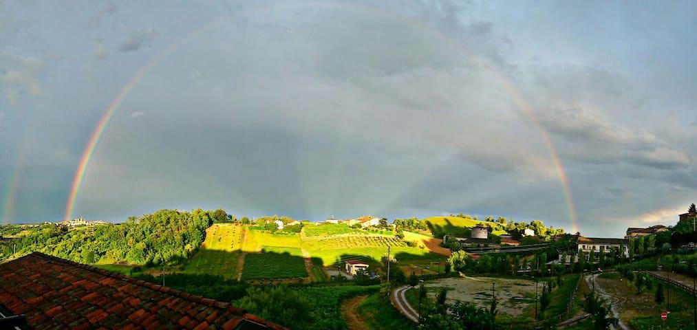 casa di miky, su colline monferrato - Vignale Monferrato - House