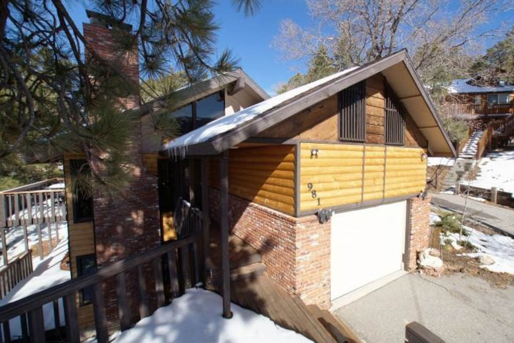 Cozy cabin w bear mountain view cabins for rent in big for Cabin for rent in big bear ca