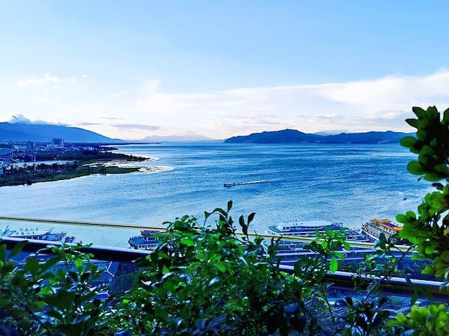 【悦海蓝湾】望尽256平方公里洱海•洱海公园东南亚风•360平米海景空中墅•赠当季新鲜水果