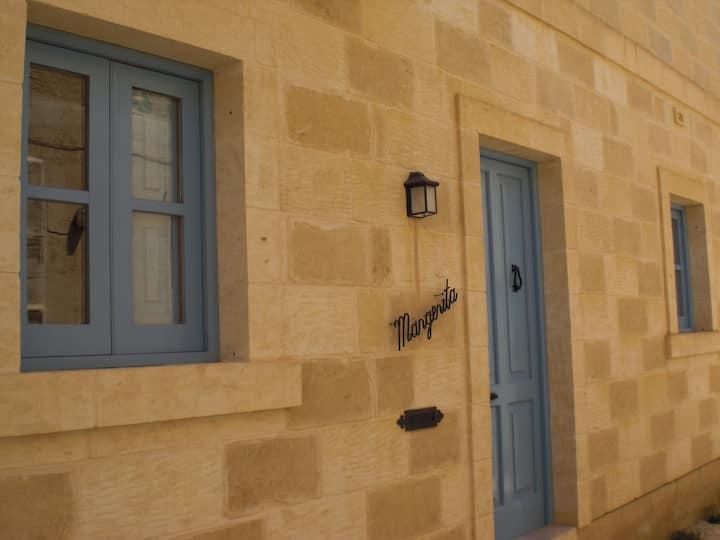 Margerita Farmhouse with private pool + free wi-fi
