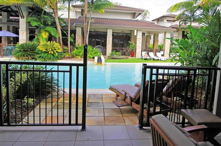 Sea Temple Port Douglas 131 Swim-out Apartment