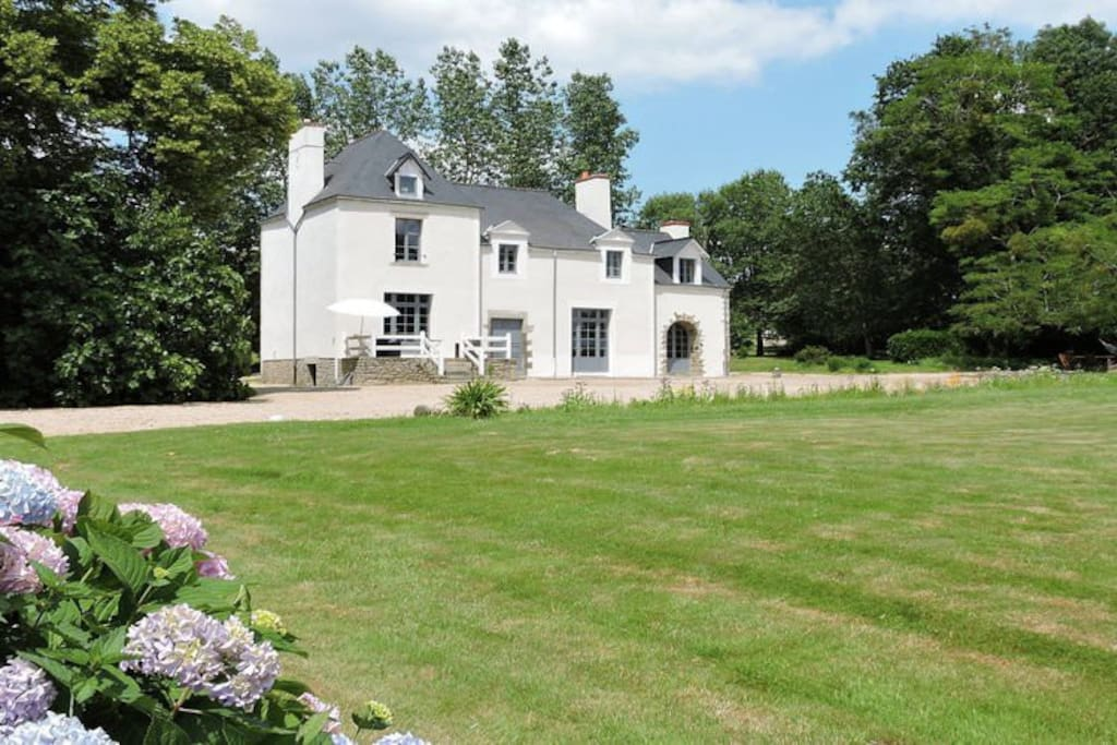 G te 5 chambres avec piscine chauff e privative houses - Gite avec piscine bretagne ...