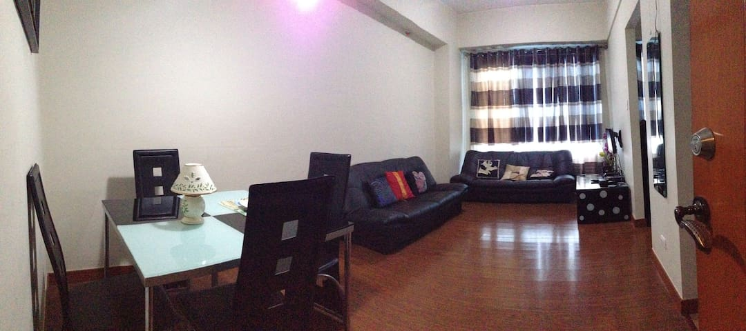 Eastwood QC Executive Studio Unit with WIFI
