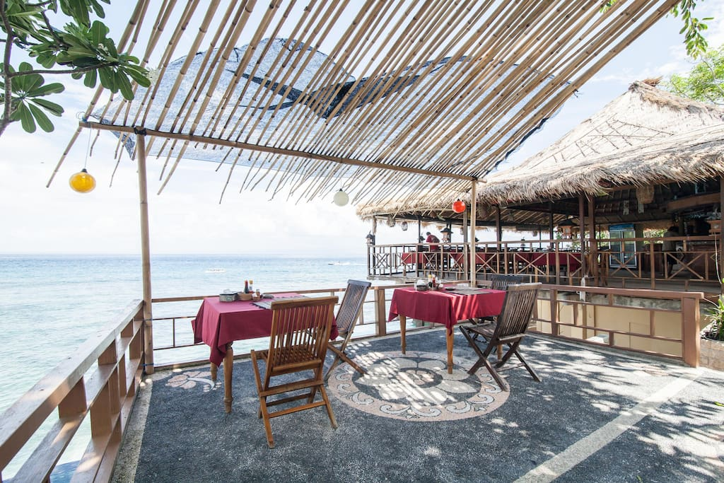 Restaurant and Bar with Great Sunset and Ocean View