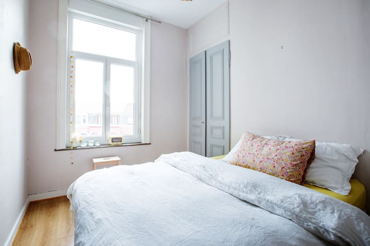 Cosy, lightfull  & quiet flat - Lille - Apartment
