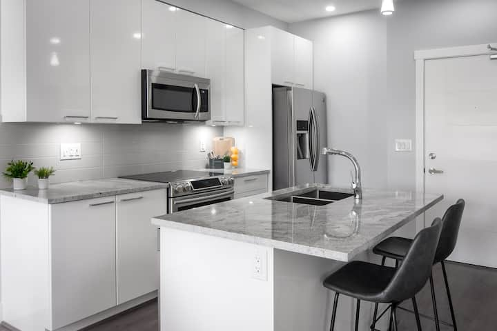 Shiny and sparkling brand new condo Maple Ridge