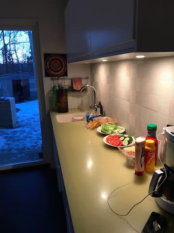 Modern villa i Nacka med havsutsikt - Boo - วิลล่า