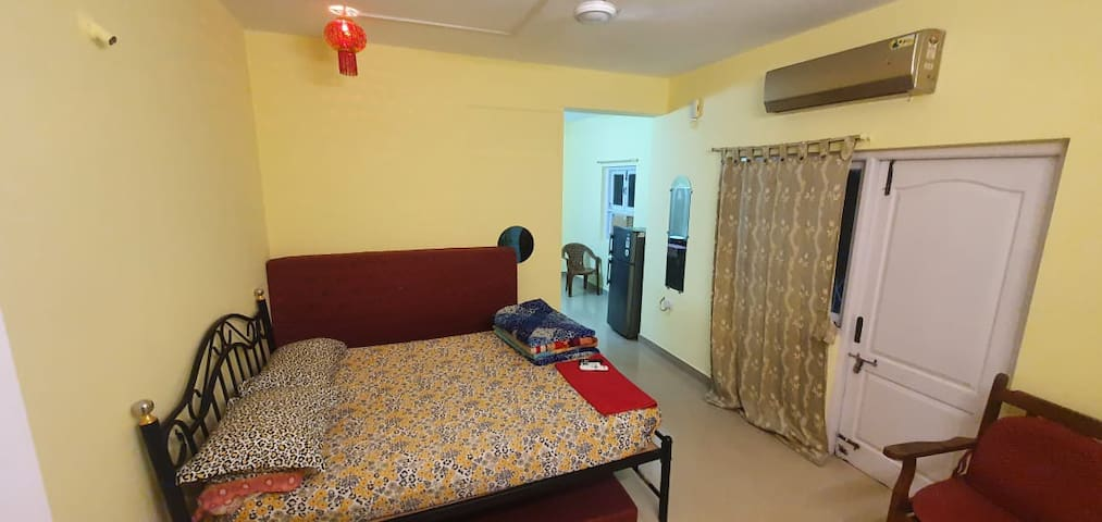 Fully Furnished 1 RK apartments close to the Beac