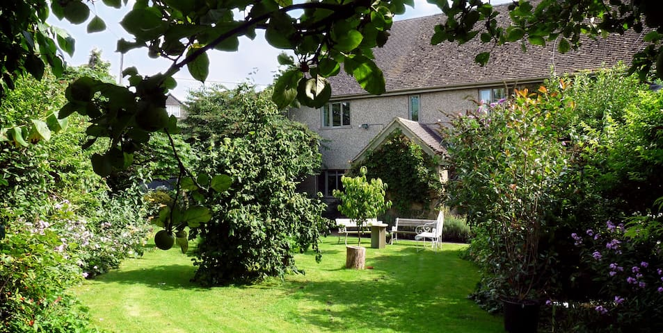 4 Star Silver award ensuite room - Fulbrook, near Burford - Penzion (B&B)