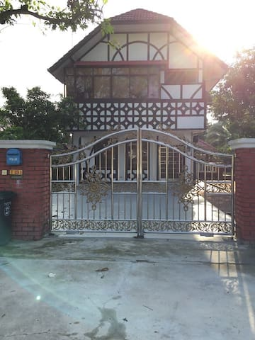 Double Storey Bungalow for rent!!! - Kulai - Dom