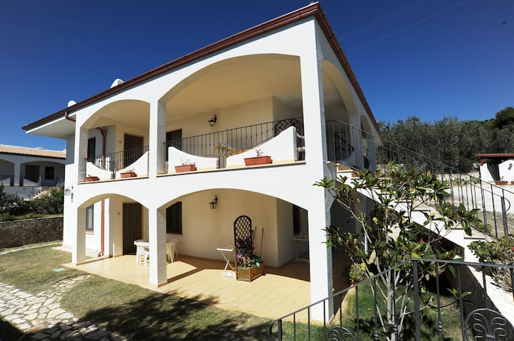 Appartamento Comfort in Residence vicino al mare - MATTINATA - Appartement