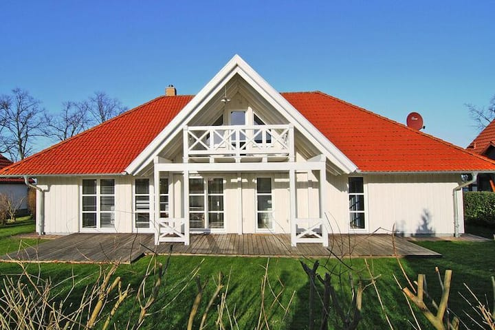 4 star holiday home in Ummanz