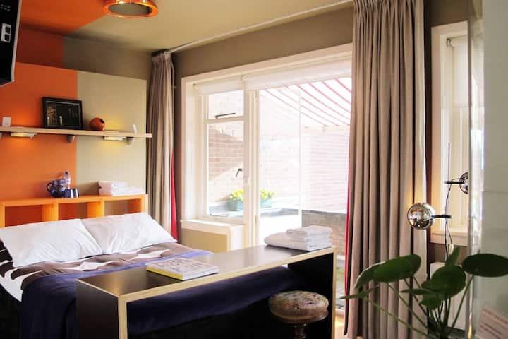 Bed & Breakfast Tilburg in the centre - near  013