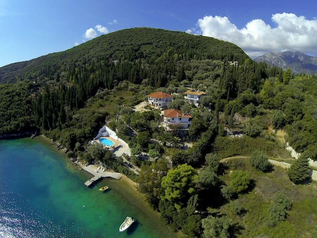 Exquisite seafront villa Orange - Geni - Willa
