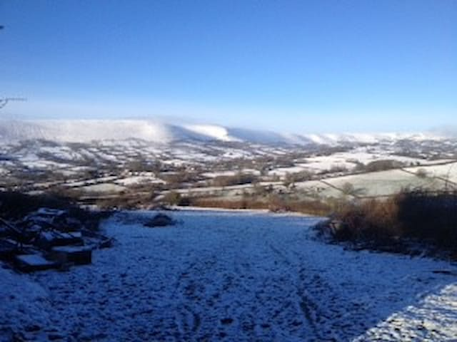 The Apple Garden holiday cottage is set up on the hill overlooking the beautiful village of Longtown...