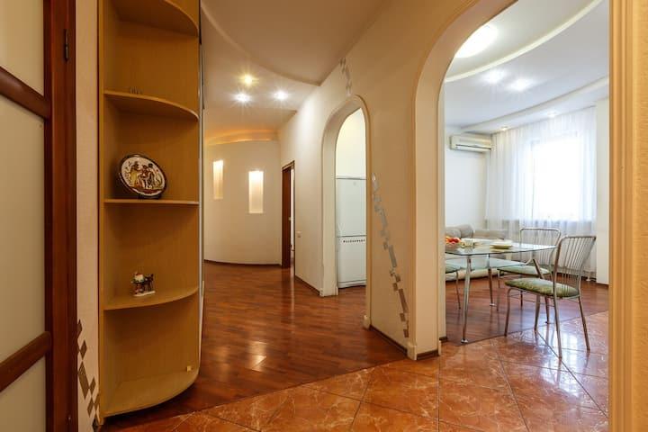Двухкомнатная квартира, ул. Степана Разина 154