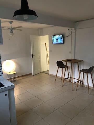 Studio à Fort-de-France, confortable et bien situé