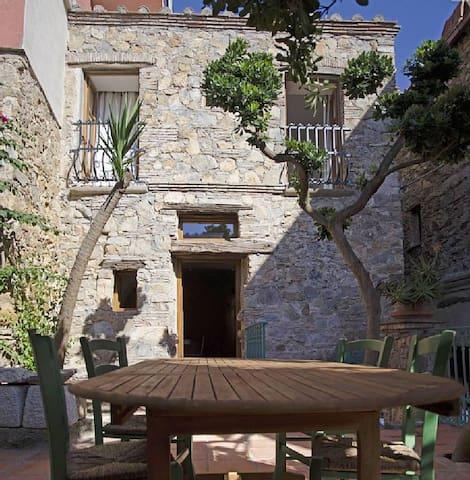 Casa in centro storico con giardino - Capoliveri - Ev