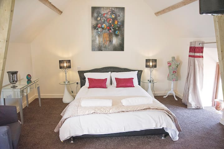 Family Suite with ensuite - Axminster