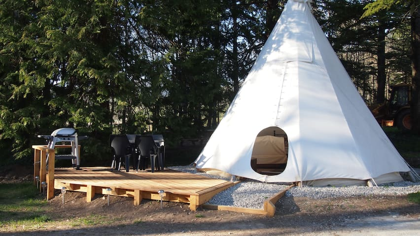 Luxury Tipi for 2 people - Saint-Pierre-d'Argençon - Tenda Indígena