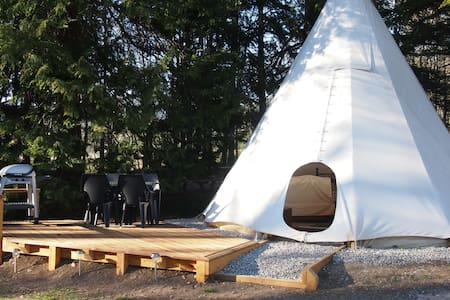 Luxury Tipi for 2 people - Saint-Pierre-d'Argençon