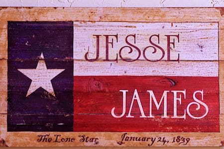 Jesse James Suite  - Granbury - Bed & Breakfast