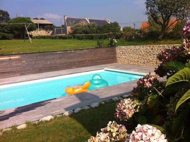 Longère bretonne, piscine chauffée - Cléden-Cap-Sizun - Casa