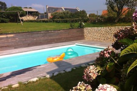 Longère bretonne, piscine chauffée - Cléden-Cap-Sizun