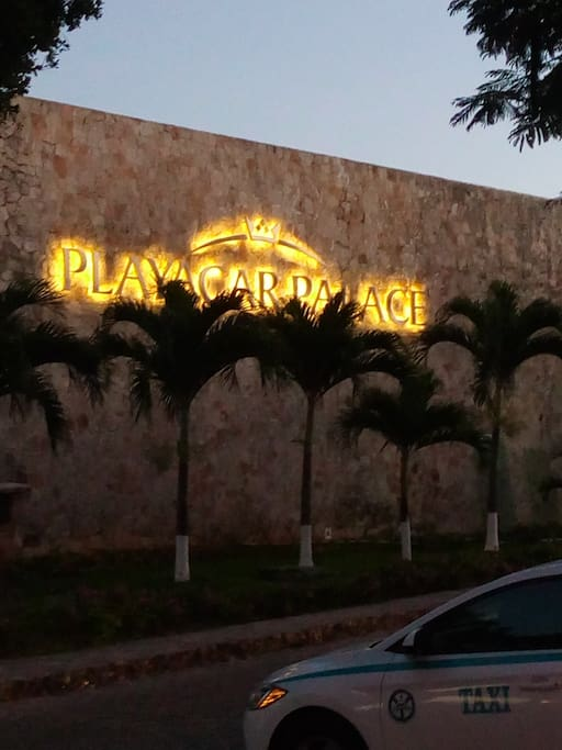 Referencia : Playa car Palace hotel a un lado de plaza marina